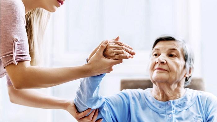 Chăm sóc bệnh nhân tai biến mạch máu não tại nhà